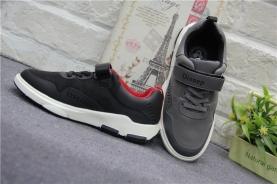 男童運動鞋研發