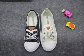 精品童皮鞋代理